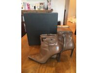 Gucci tan ankle boots