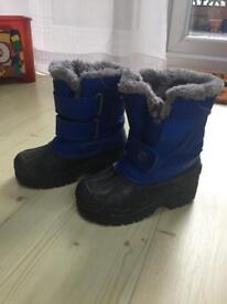 Boys Snow boots size 10