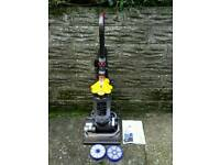 DYSON DC33 Multifloor vacuum cleaner 2 tools + 2 new filters