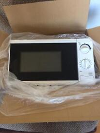 Microwave 700w brand new in box