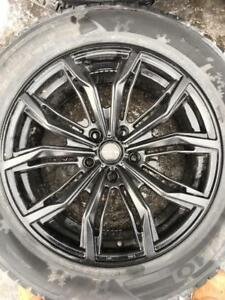 255/55/18 Kumho hiver 10/32   + Mags RTX 18 pouces   5x120.