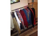 Height adjustable clothes rail wardtove