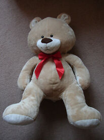 BRAND NEW LARGE TEDDY