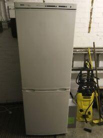 Bosch Classixx Fridge Freezer (White) GREAT CONDITION