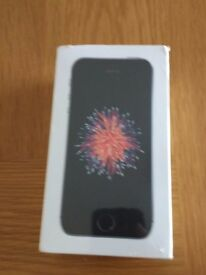 iPhone se 32GB. Unboxed and unlocked to any network. Space grey.