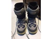 Snowboard boots - Size 8