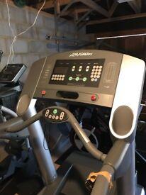 Life Fitness T9i Treadmill