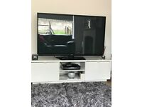 HIGHGLOSS TV UNIT!! ***