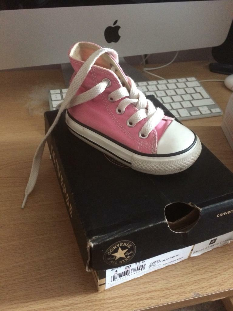 e2a976d532a2 Girls Converse shoes