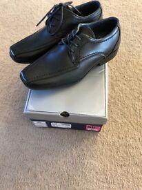 Boys school shoes size 3