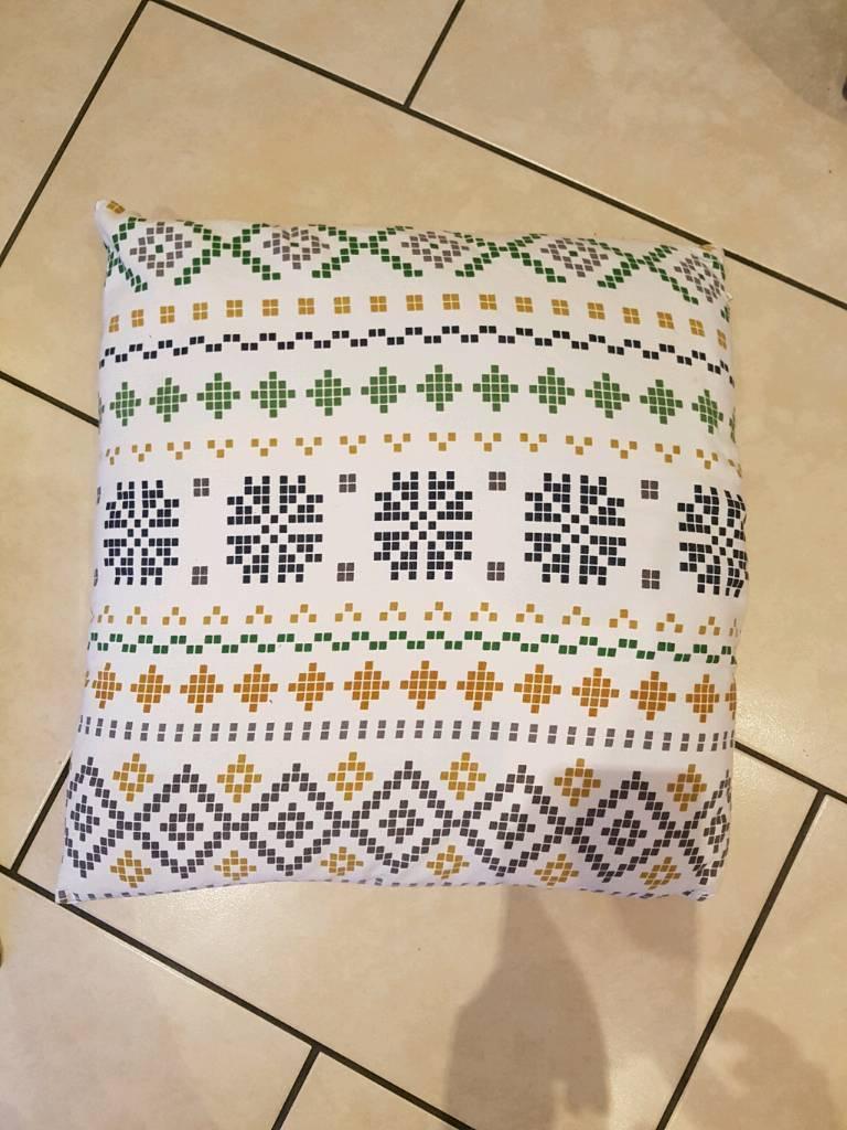 4 x Large Cushions