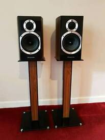 Wharfedale diamond 10.1 hifi audio speakers with stands