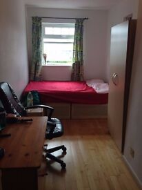 LOVELY DOUBLE ROOM AVAILABLE NOW IN WILLESDEN!!