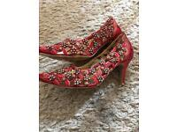 Unze red diamonte heels
