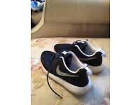 Nike Roshe run boys trainers, latest size 4.5