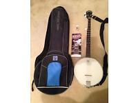 Vintage banjo with case like new £100!!