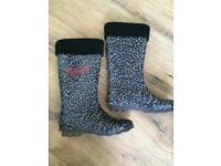 Pineapple wellies size adult 2 in vgc