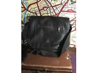 Unisex Jasper Conrad used bag. Stunning leather.