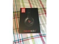 **Brand New Sealed in box dr.dre Beats solo2 headphones (Black) ONLY £95!!**