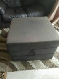 foam cube/bed