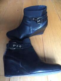 Black Platform Boots Size 6,5