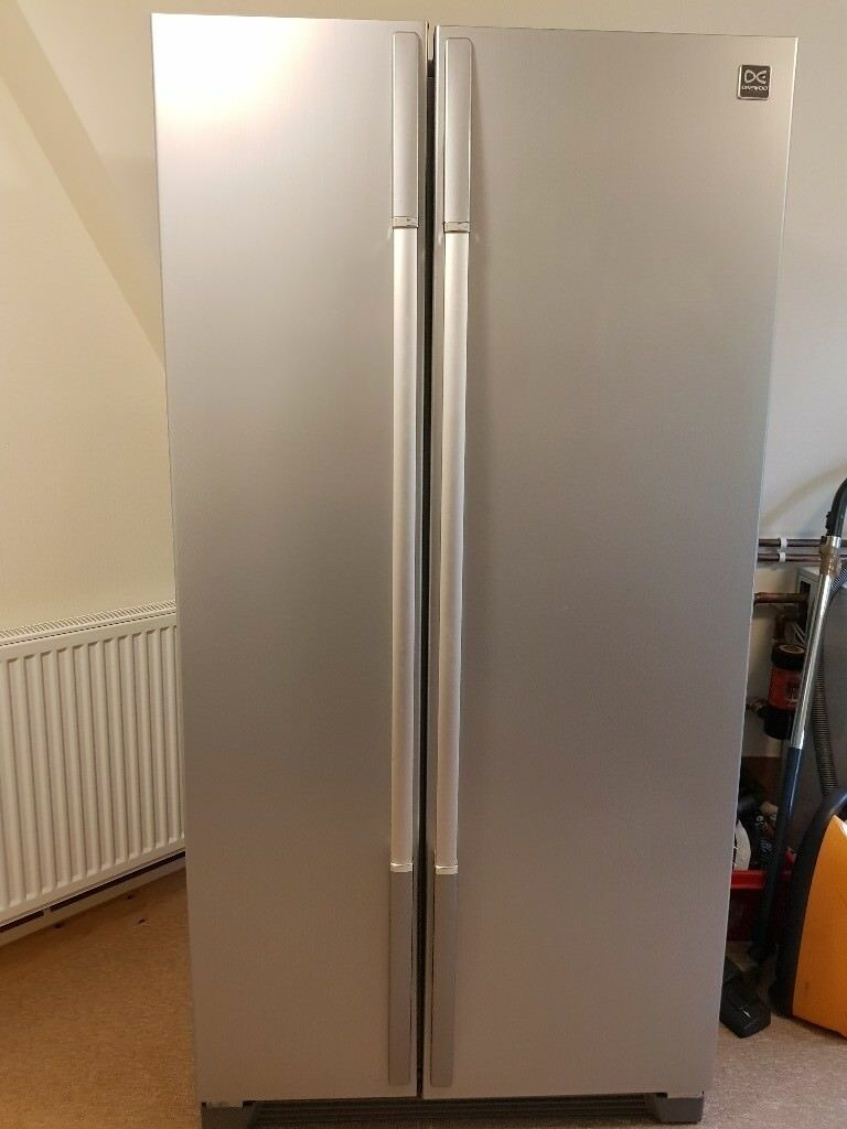 DAEWOO FRSU20IAI American-Style Fridge Freezer - Silver (6 month old