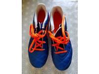 Kipsta football boots size 13C