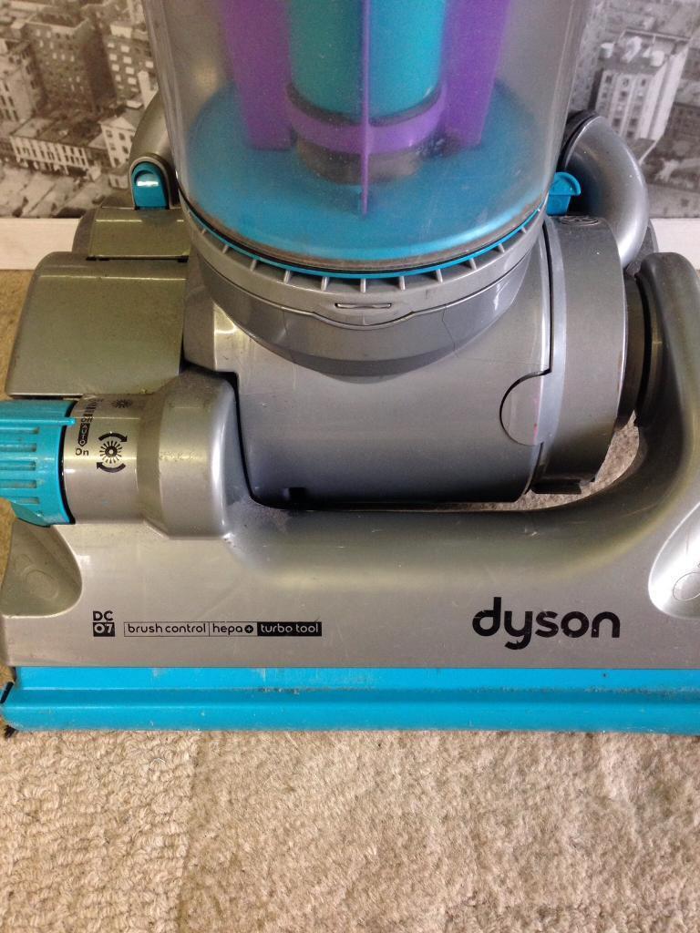 Dyson upright dc07