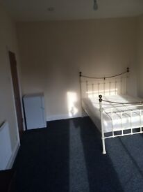 Large Double Room to Rent - £400PCM - ALL BILLS INC - NR1 - Available NOW!