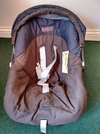 mamas and papas Car seat with base