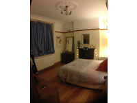 Sunny Double room available in fab shared Georgian home.
