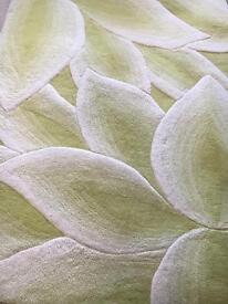 Rug ( green/white )