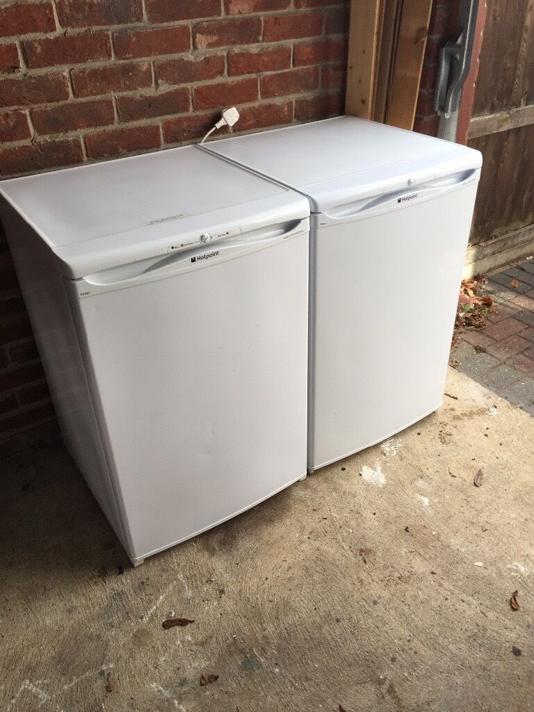 Fridgematching freezer transport possiblein Gorleston, NorfolkGumtree - Hotpoint built under freestanding fridge ( with ice box ) plus matching Frost Free freezer..... used condition but very very clean ( see pics ) .....both in full working order approx 3 years old cost £350 the pair .... £35 each or the pair £60...