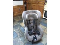 Maxi Cosi Axiss Child Car Seat (swivels) non ISOFIX
