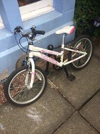 Girls white and pink rock python mountain bike