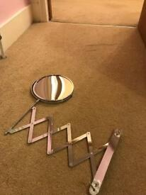 Extendable bathroom mirror