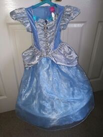 Girls Cinderella dressing up outfit with crown. Size 3-4 years