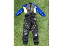 Water sports clothing/equipment