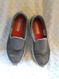 Skechers gowalk size 3