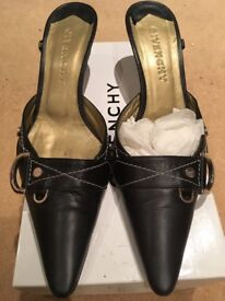 A pair of designer vintage shoes by Givenchy. Size 39.5