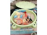 Turtle sand pit with lid, sand and toys