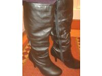 Genuine leather wide fit heeled boots. Size 6