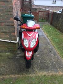 Vonroad 125cc scooter/moped