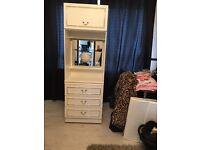 Small bedroom unit