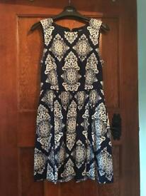 Oasis navy dress navy with pockets size 8