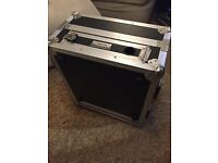 Mixer flight case with 2 unit rack mount space - great condition
