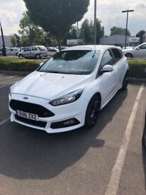Ford Focus 2.0 ST (S/S) 5 DR