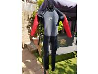 Wet suit age age 10 to 11