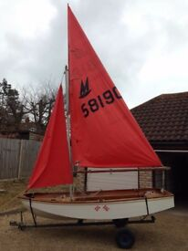 Mirror dinghy sailing boat