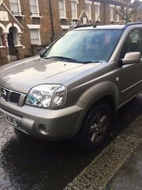 Nissan X Trail. Automatic. Leather seats. Sunroof. Low mileage. Good fuel consumption